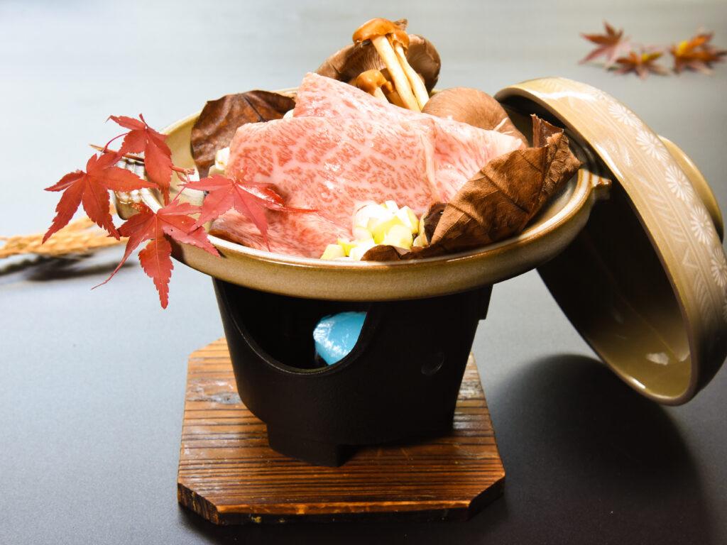 木の子と特選黒毛和牛の自家製朴葉味噌焼き