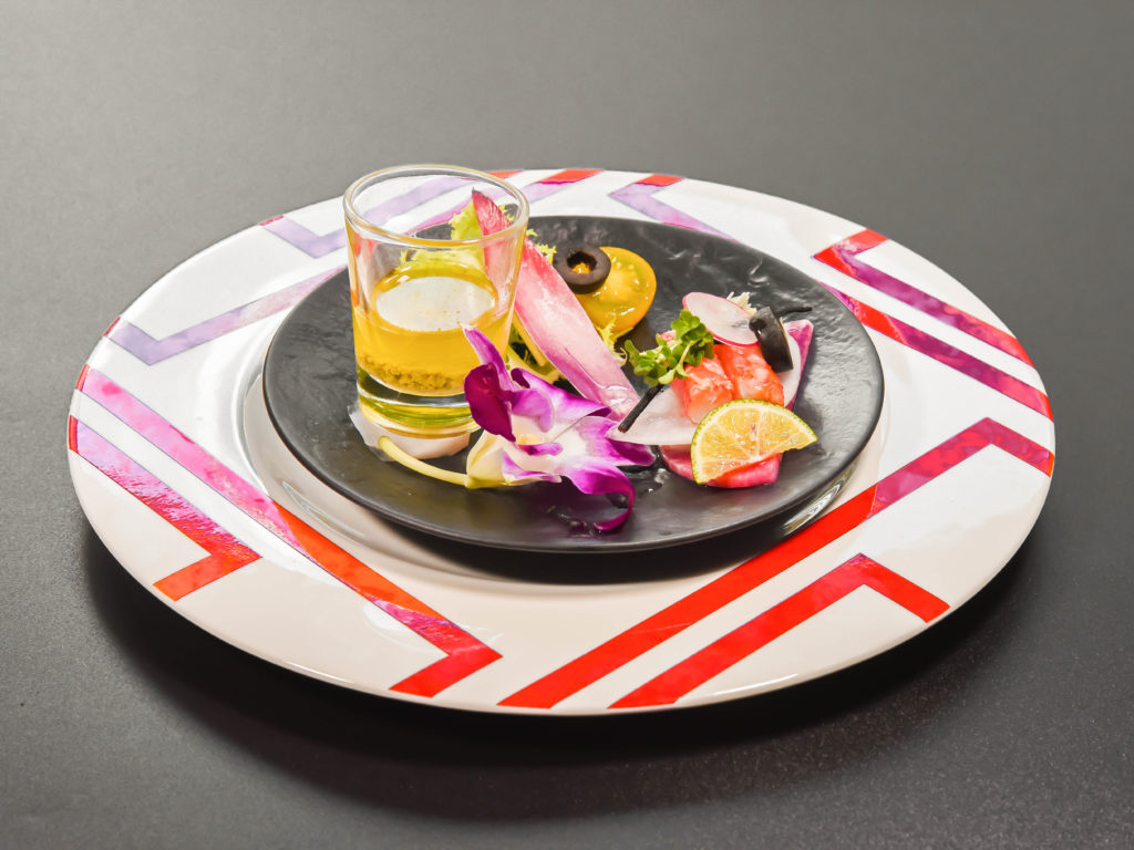 蟹と紅芯大根のサラダ仕立て 蟹味噌ドレッシング